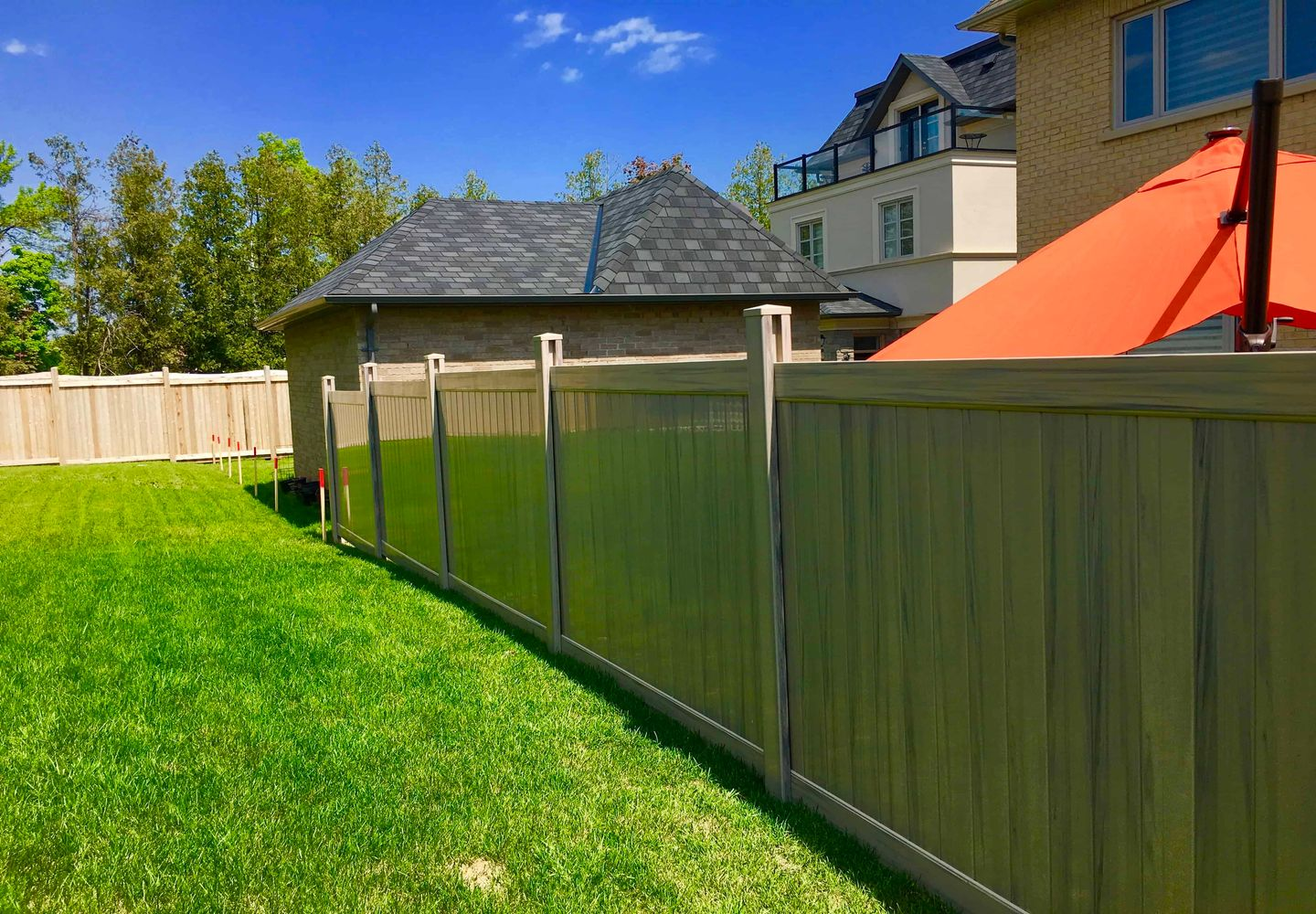 Mr. Fencee Inc. | Commercial and Residential Vinyl Fencing | Gallery